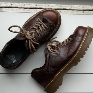 DR. MARTENS 11 WOMENS/10 MENS LOW CUT CHUNKY SOLE